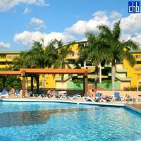 Pool and Montehabana