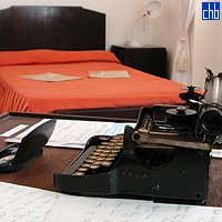 Ernest Hemingway Typewriter & Bed at Ambos Mundos