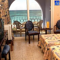 Quarto Twin Vista Mar do Hotel Ancon