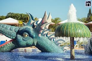 Coin piscines et attractions pour les enfants