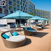 Ombrelles au salon terasse, hôtel Iberostar Bella Vista