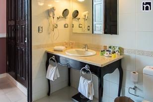 Standard Room Bathroom, Hotel Encanto Camino del Principe, Remedios, Villa Clara, Cuba