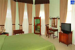 Room with Kingsize Bed, Hotel Casa Verde, Cienfuegos, Cuba