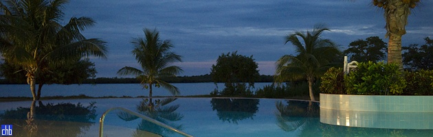 Cayo Libertad Hotel Infinity Pool at Night