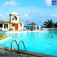 Piscina dell'Hotel Club Bucanero