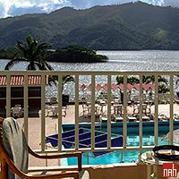Hotel Hanabanilla pokój standardowy z widokiem na basen i jezioro