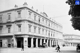 Hotel Inglaterra at about 1900