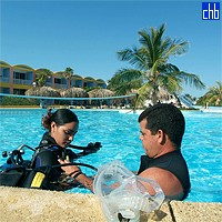 Diving Lesson At The Hotel Gran Caribe Isla Del Sur