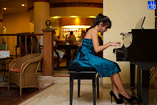 Lobby Bar Pianist at Varadero's Las Americas Hotel