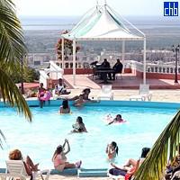 Pogled na bazen hotela