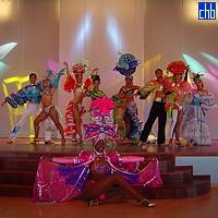 Blau Marina, Show