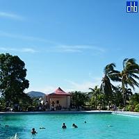 Piscina con Vista - Hotel Islazul Pernik