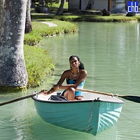 Cuban Mulata & Rowing Boat