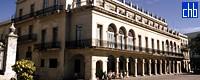 Vista dell'Hotel Santa Isabel dalla Plaza de Armas