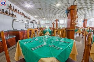 """Ресторан """"шведский стол"""" Отель MarAzul Playas del Este, пляж Санта-Мария, Ла-Гавана"""