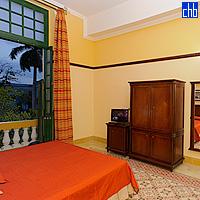 Hotel Velasco apartman sa balkonom i pogledom na Parque de La Libertad