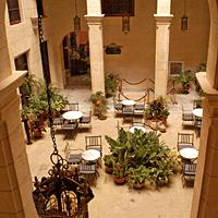 Patio in Palacio O'Farrill