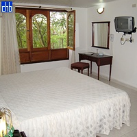 Standard room & kingsize bed