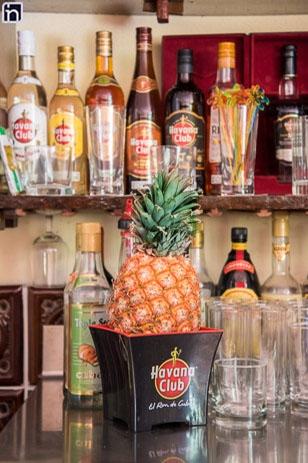 Bar de la villa Rancho Hatuey, Sancti Spiritus, Cuba