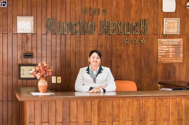 Desk of Villa Rancho Hatuey, Sancti Spiritus, Cuba