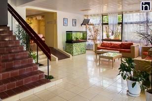 Hall de la villa Rancho Hatuey, Sancti Spiritus, Cuba